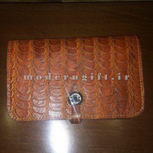 کیف پول زنانه چرمی پالتویی
